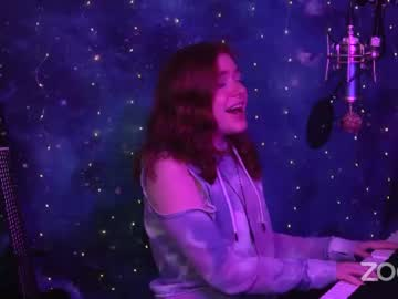 sarahmichelle's chat room